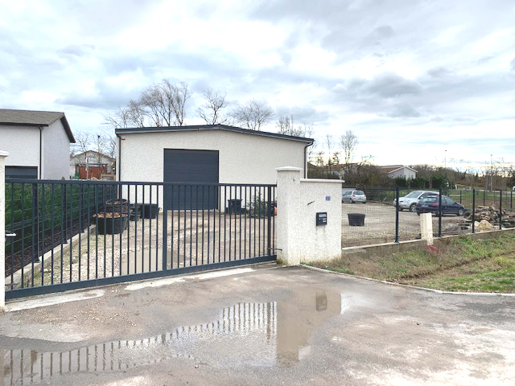Local commercial Villette D Anthon 262 m2